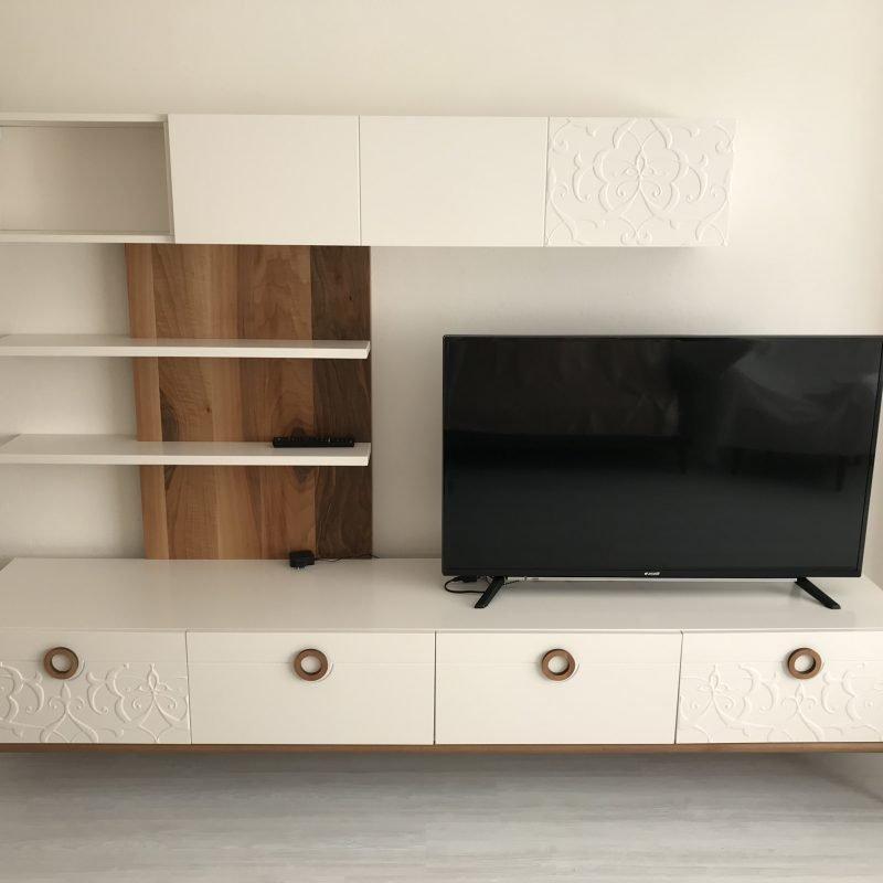Tv ünitesi montajı