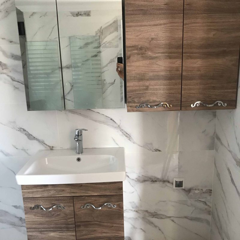 aynalı banyo dolabı montajı